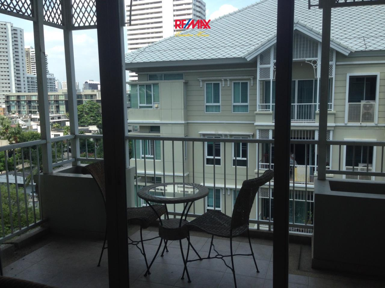 RE/MAX Executive Homes Agency's Spacious 2 Bedroom for Rent The Bangkok 43 7