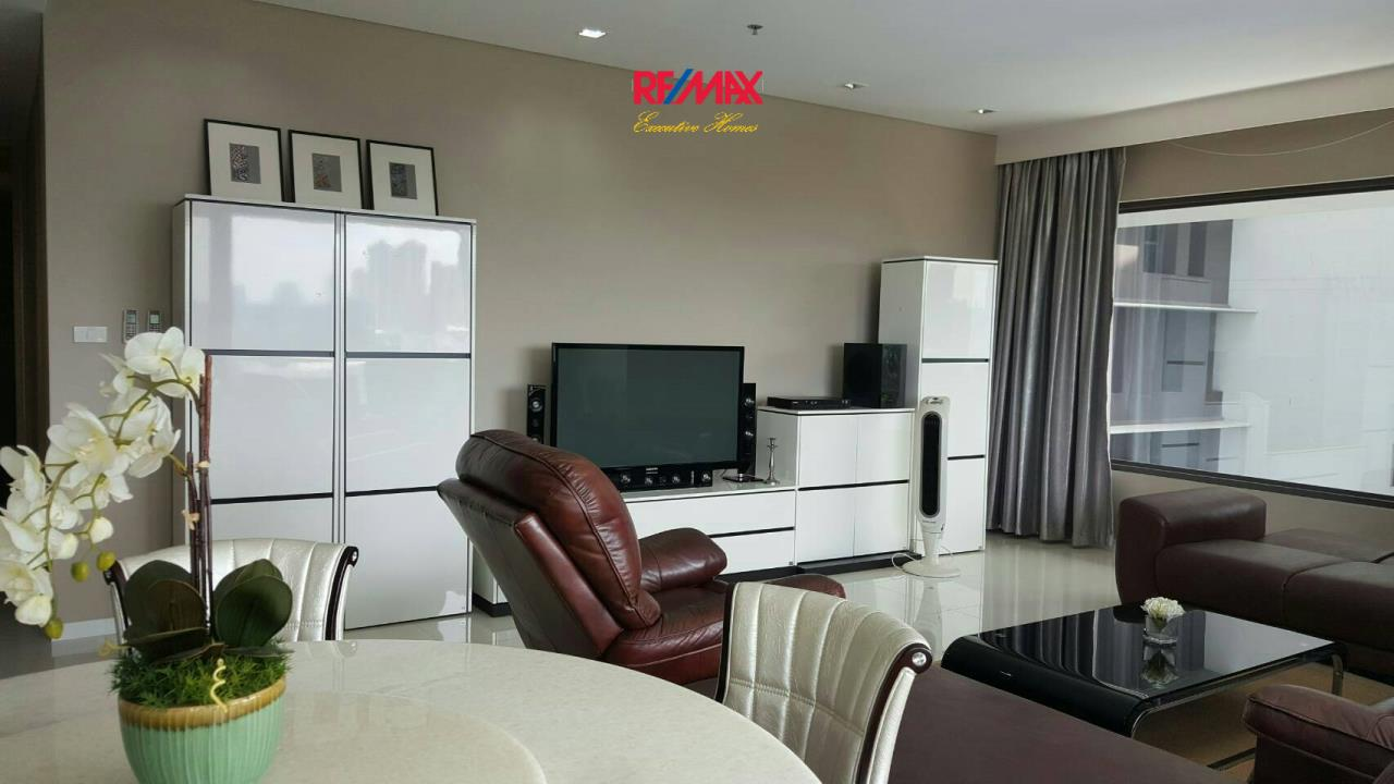 RE/MAX Executive Homes Agency's Beautiful 2 Bedroom for Sale with Tenant Amanta Lumpini 2