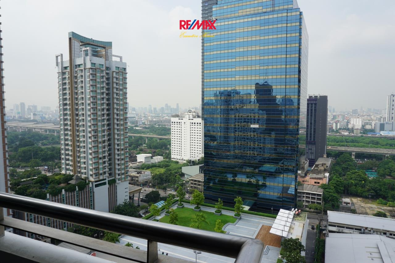 RE/MAX Executive Homes Agency's Spacious 6 Bedroom Penthouse for Sale Kallista Mansion 18