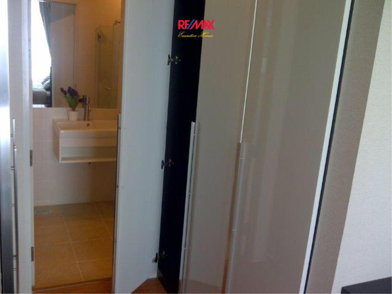 RE/MAX Executive Homes Agency's Nice 2 Bedroom for Sale The Complete Narathiwas 8