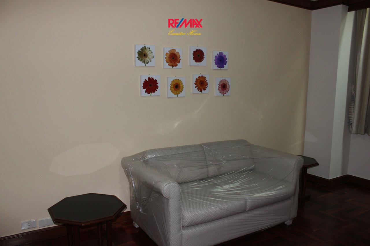 RE/MAX Executive Homes Agency's Spacious 3+1 Bedroom for Rent near BTS Phrom Phong 15