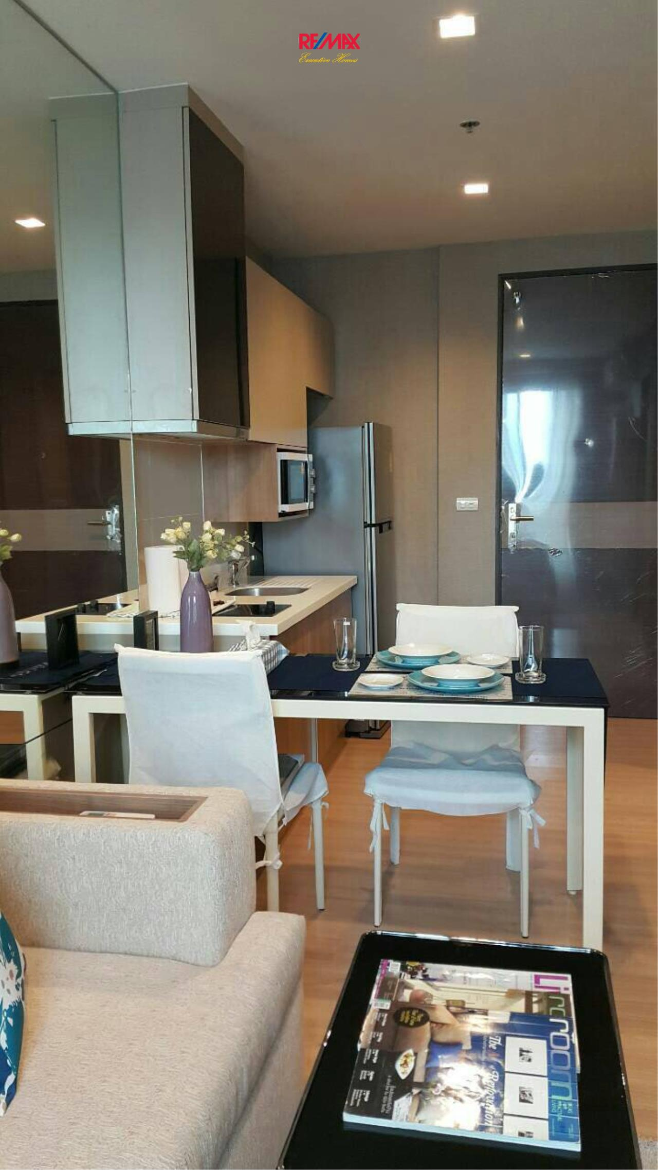 RE/MAX Executive Homes Agency's Beautiful 1 Bedroom for Sale with Tenant Rhythm Sathorn 4