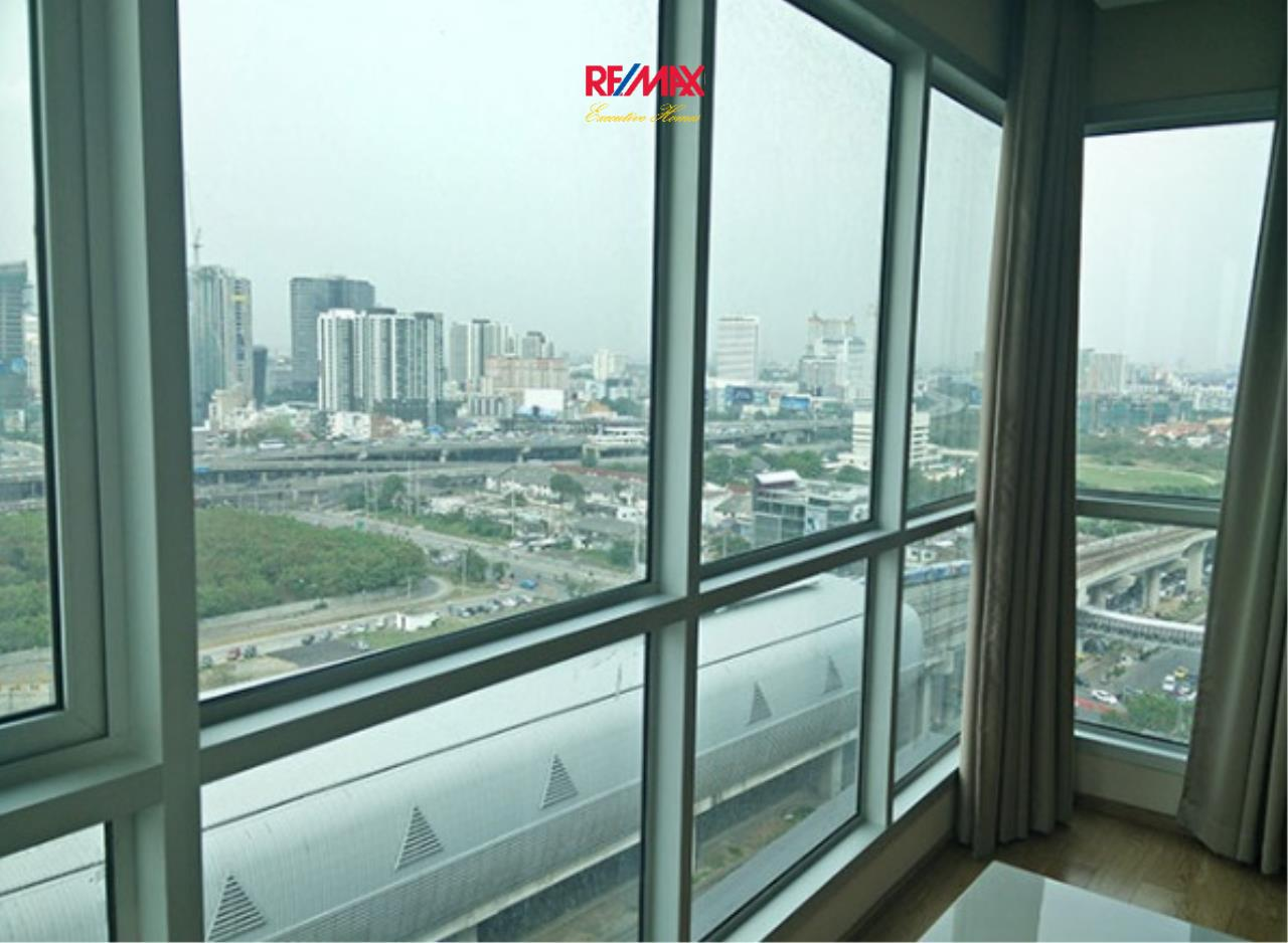 RE/MAX Executive Homes Agency's Lovely 2 Bedroom for Sale with Tenant Address Asoke 4