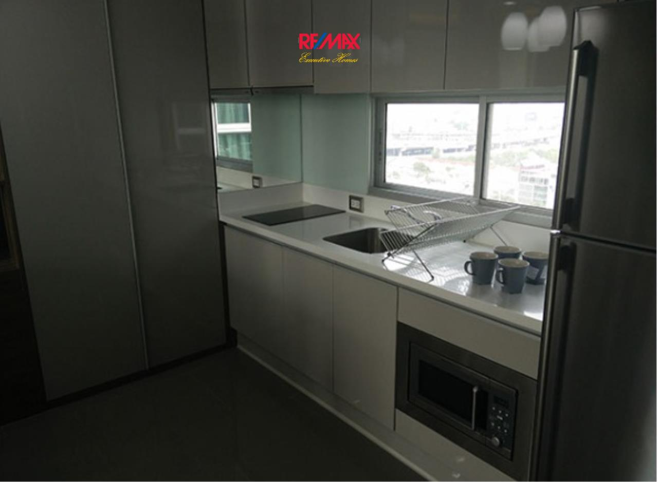 RE/MAX Executive Homes Agency's Lovely 2 Bedroom for Sale with Tenant Address Asoke 5