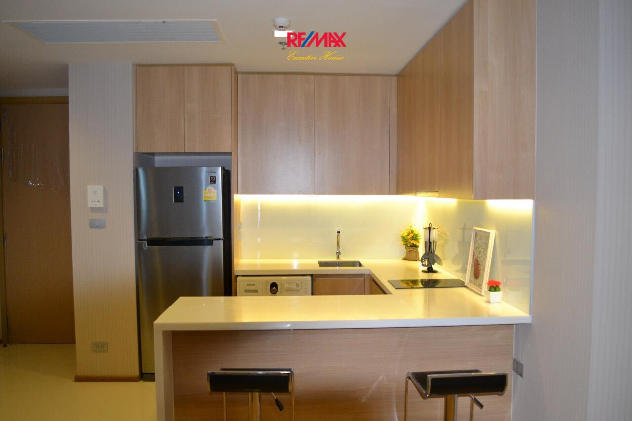 RE/MAX Executive Homes Agency's Stunning 2 Bedroom for Rent Hyde Sukhumvit 15