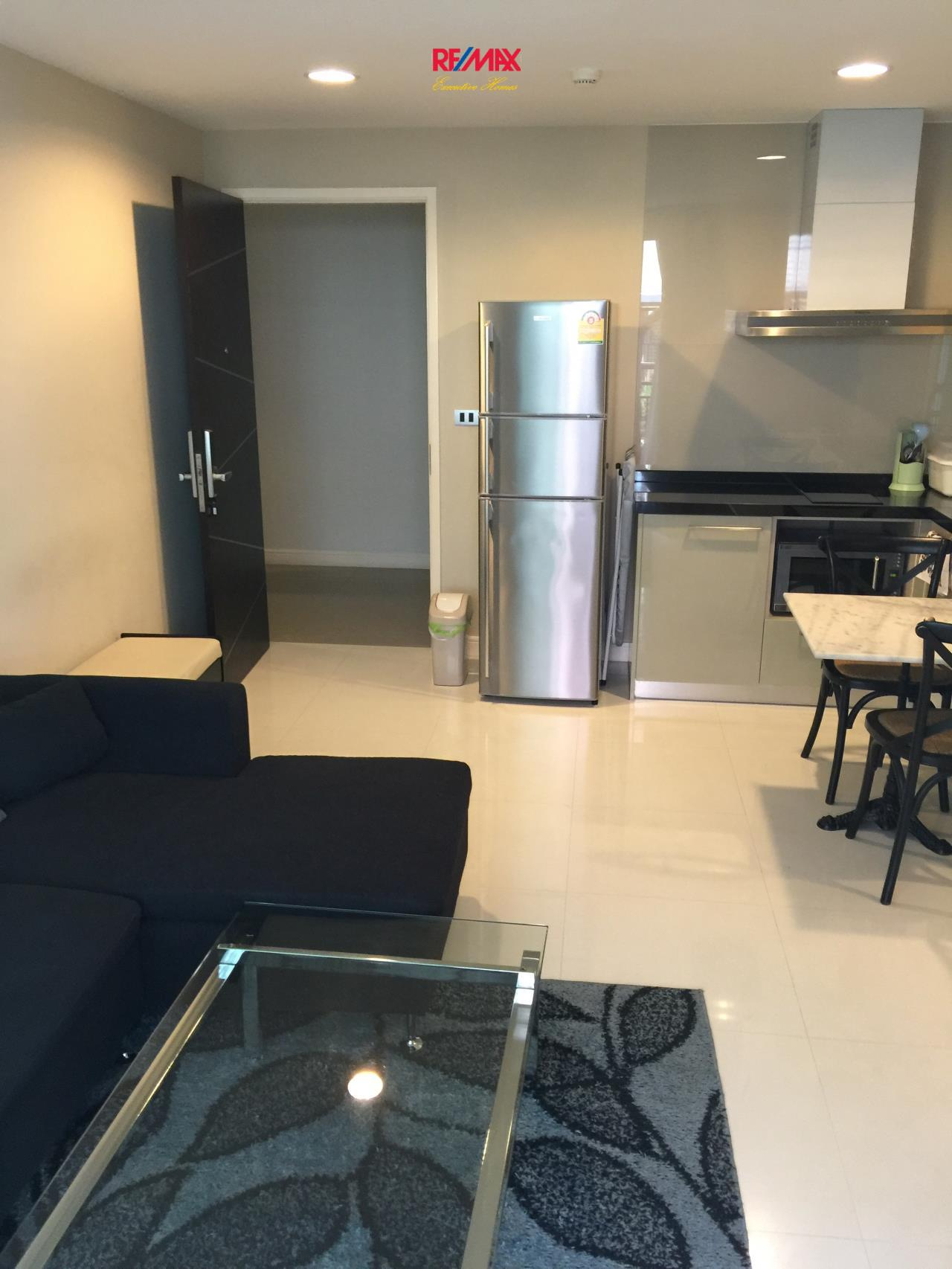 RE/MAX Executive Homes Agency's Nice 1 Bedroom for Rent The Crest 24 5