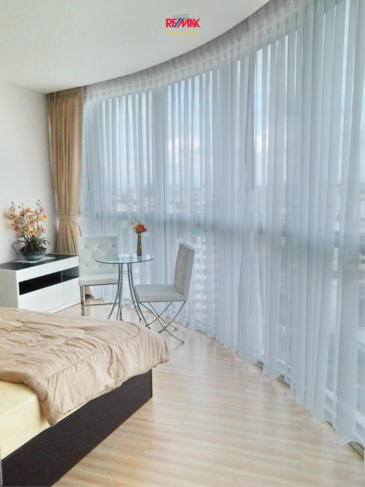 RE/MAX Executive Homes Agency's Lovely 1 Bedroom for Rent Sky Walk Condo 4