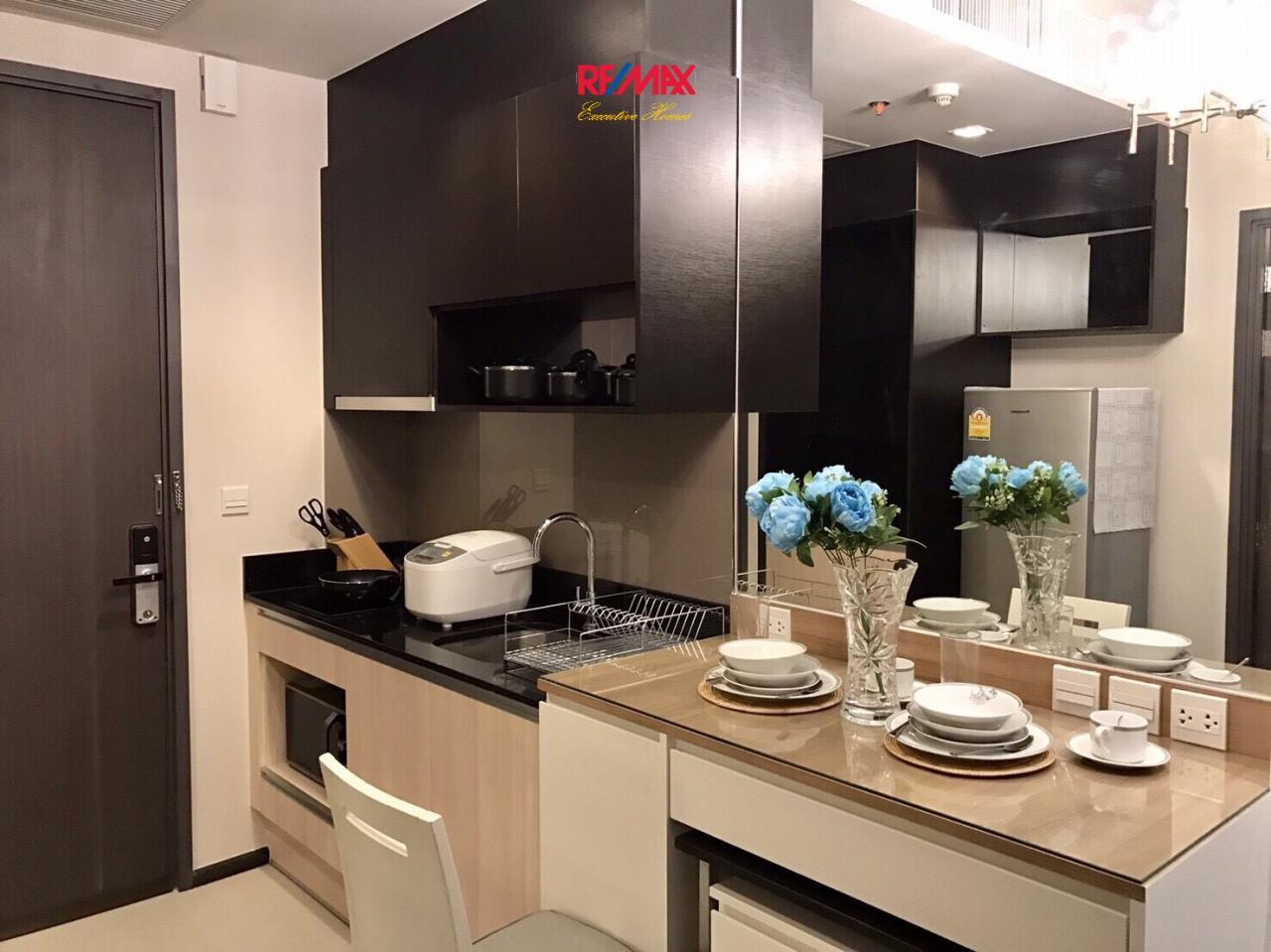RE/MAX Executive Homes Agency's Nice Studio type Bedroom for Rent Edge 23 9
