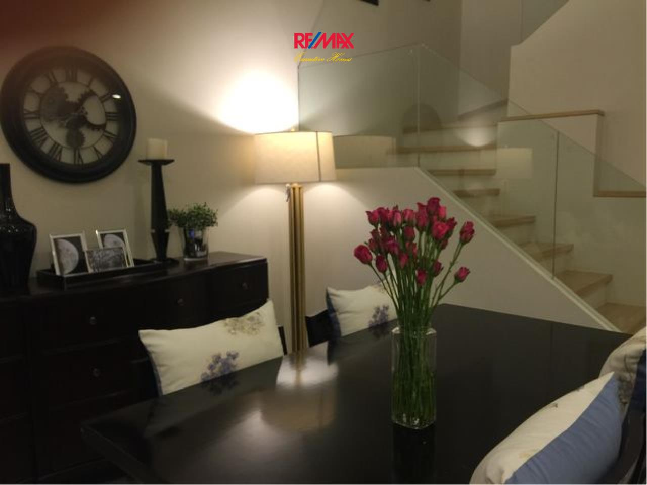 RE/MAX Executive Homes Agency's Stunning 2 Bedroom Duplex for Sale Villa Asoke 1