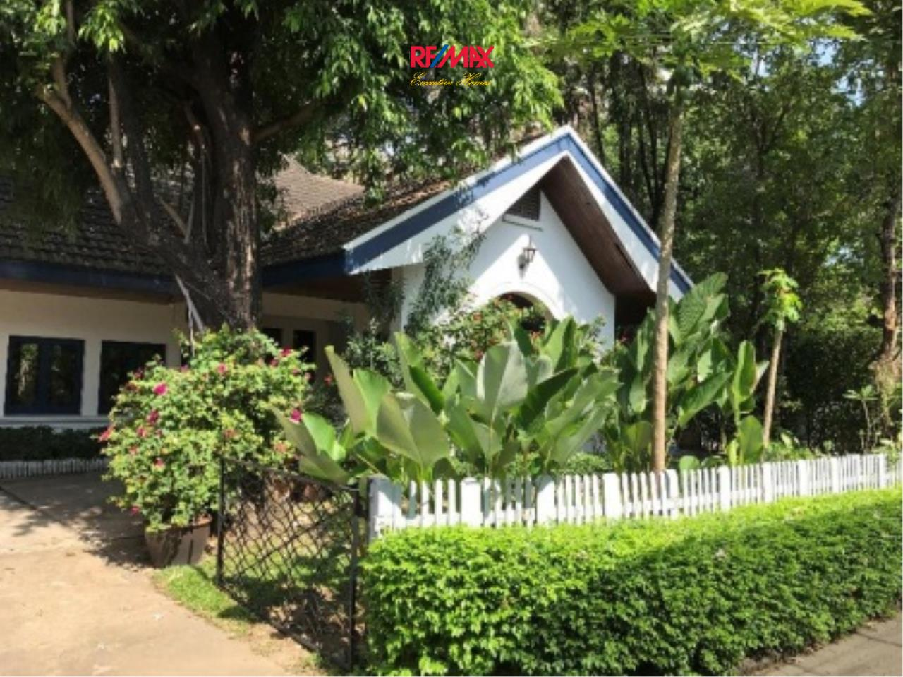 RE/MAX Executive Homes Agency's Nice 3 Bedroom House with Private Pool for Rent near BTS Phrom Phong 1