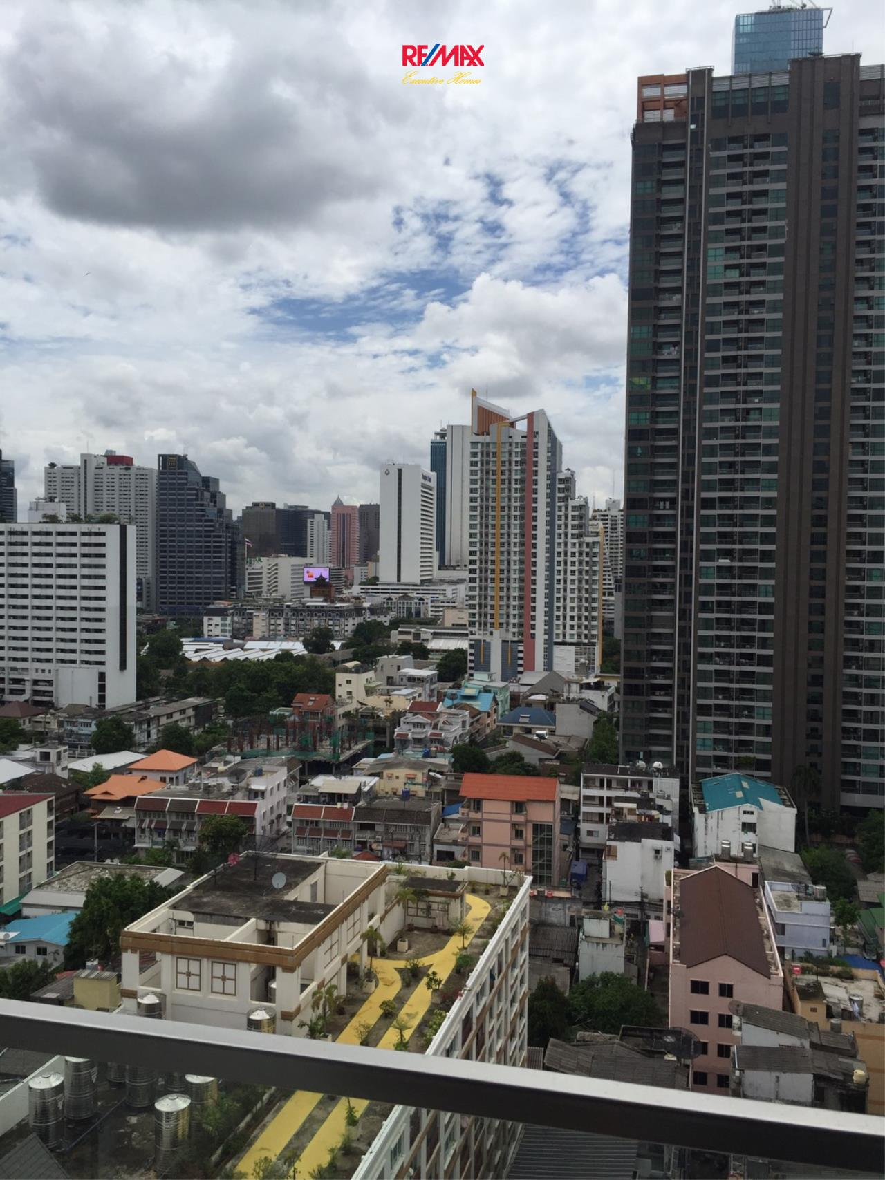 RE/MAX Executive Homes Agency's Spacious 1 Bedroom for Sale The Room Sathorn Pan 5