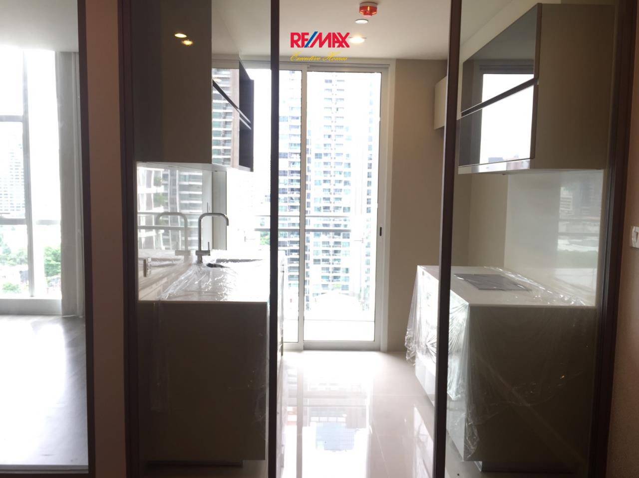 RE/MAX Executive Homes Agency's Spacious 1 Bedroom for Sale The Room Sathorn Pan 4