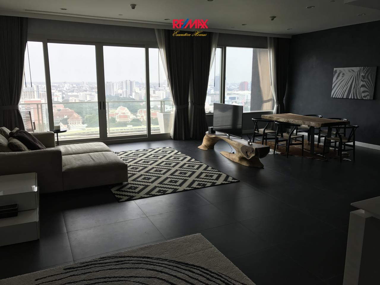 RE/MAX Executive Homes Agency's Stunning 1 Bedroom for Sale with Tenant 185 Rajadamri 1