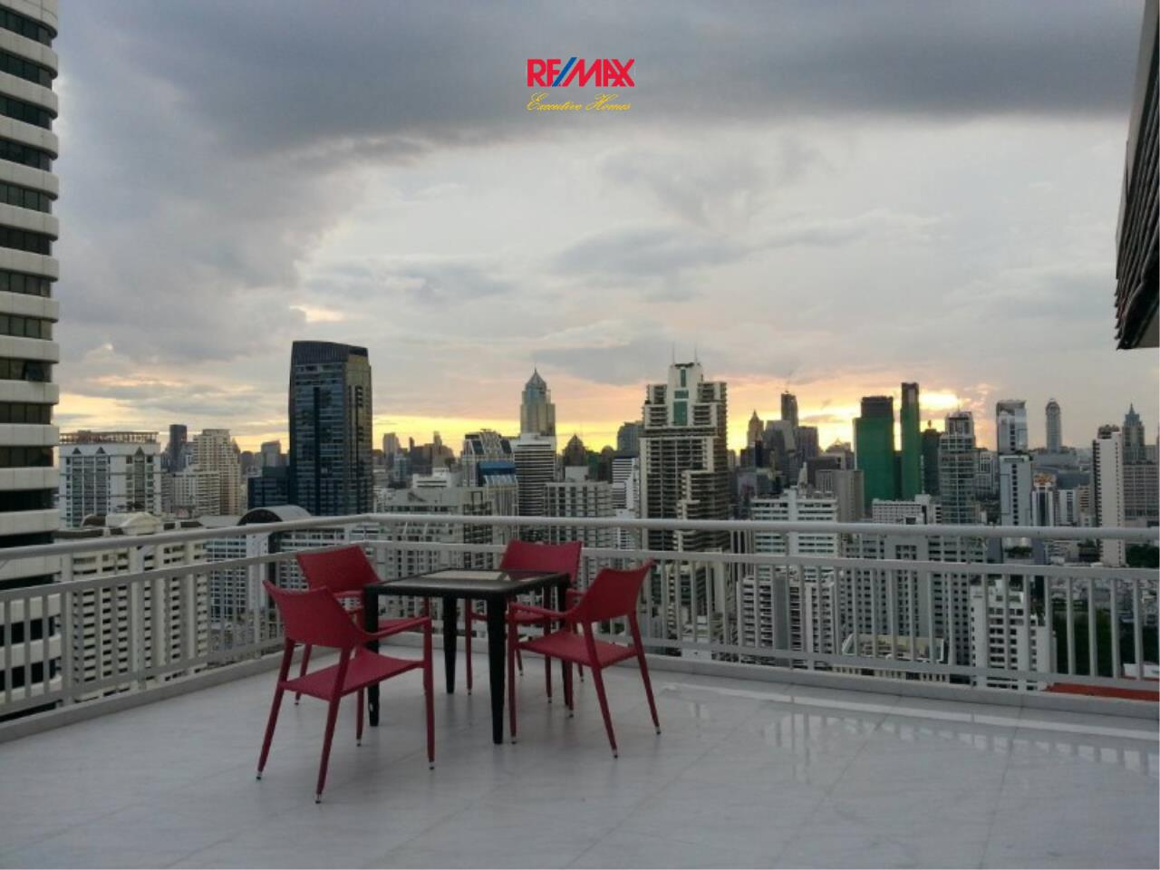RE/MAX Executive Homes Agency's Spacious 2 Bedroom for Rent Grand Park View Asoke 9