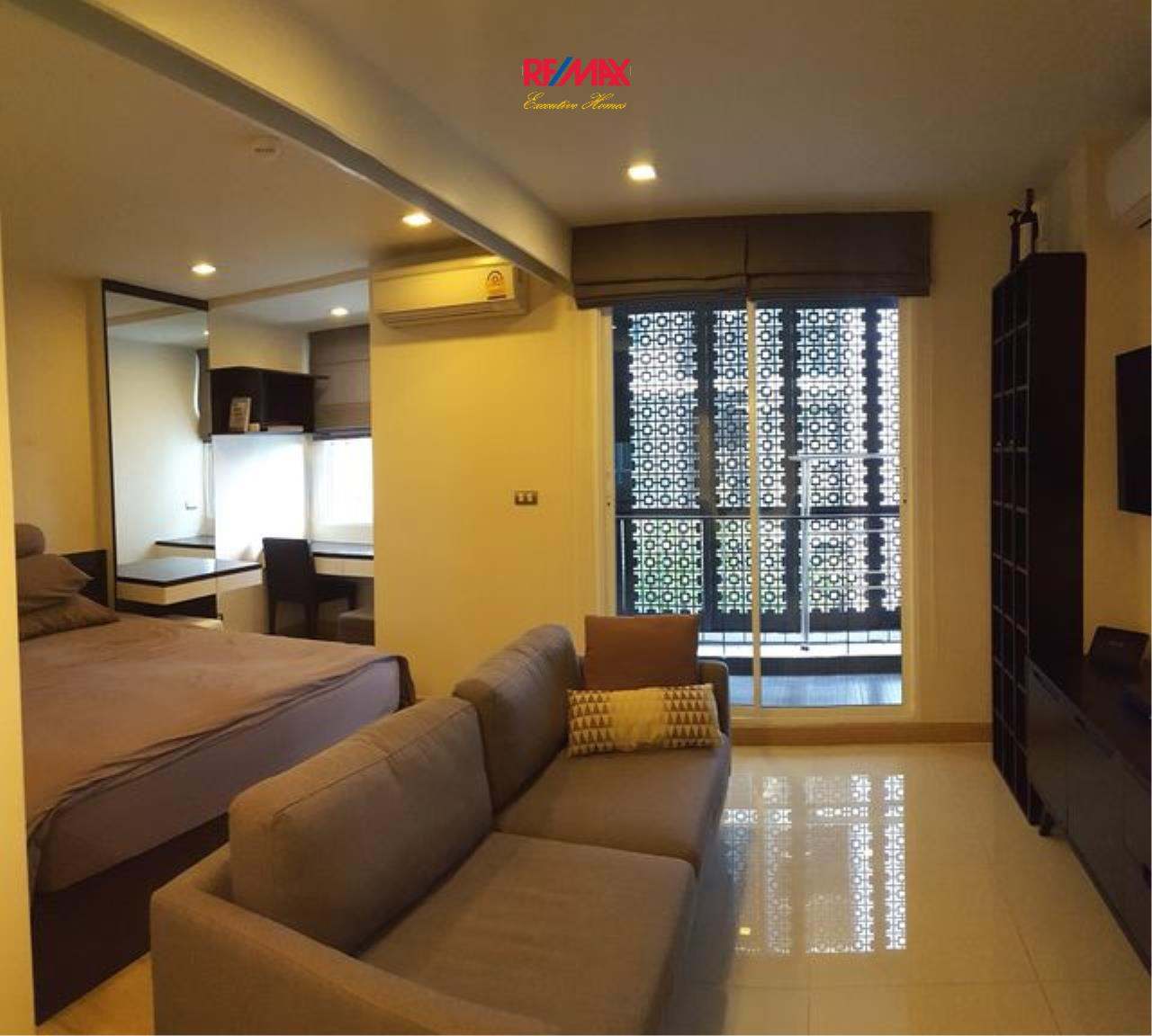 RE/MAX Executive Homes Agency's Cozy 1 Bedroom for Sale Tree Condo Ekamai 1