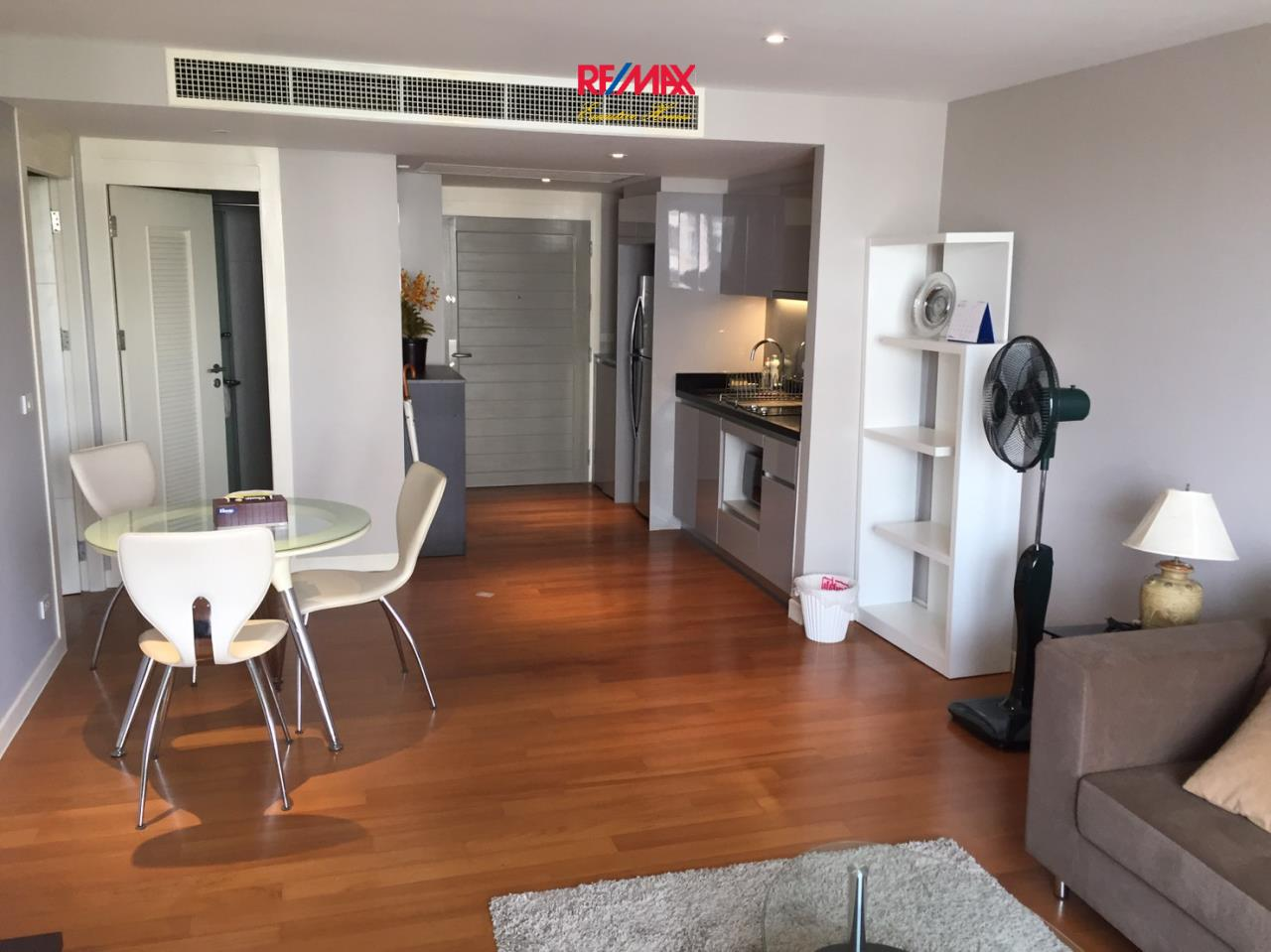 RE/MAX Executive Homes Agency's Stunning 2 Bedroom Rent La Citta Penthouse 3