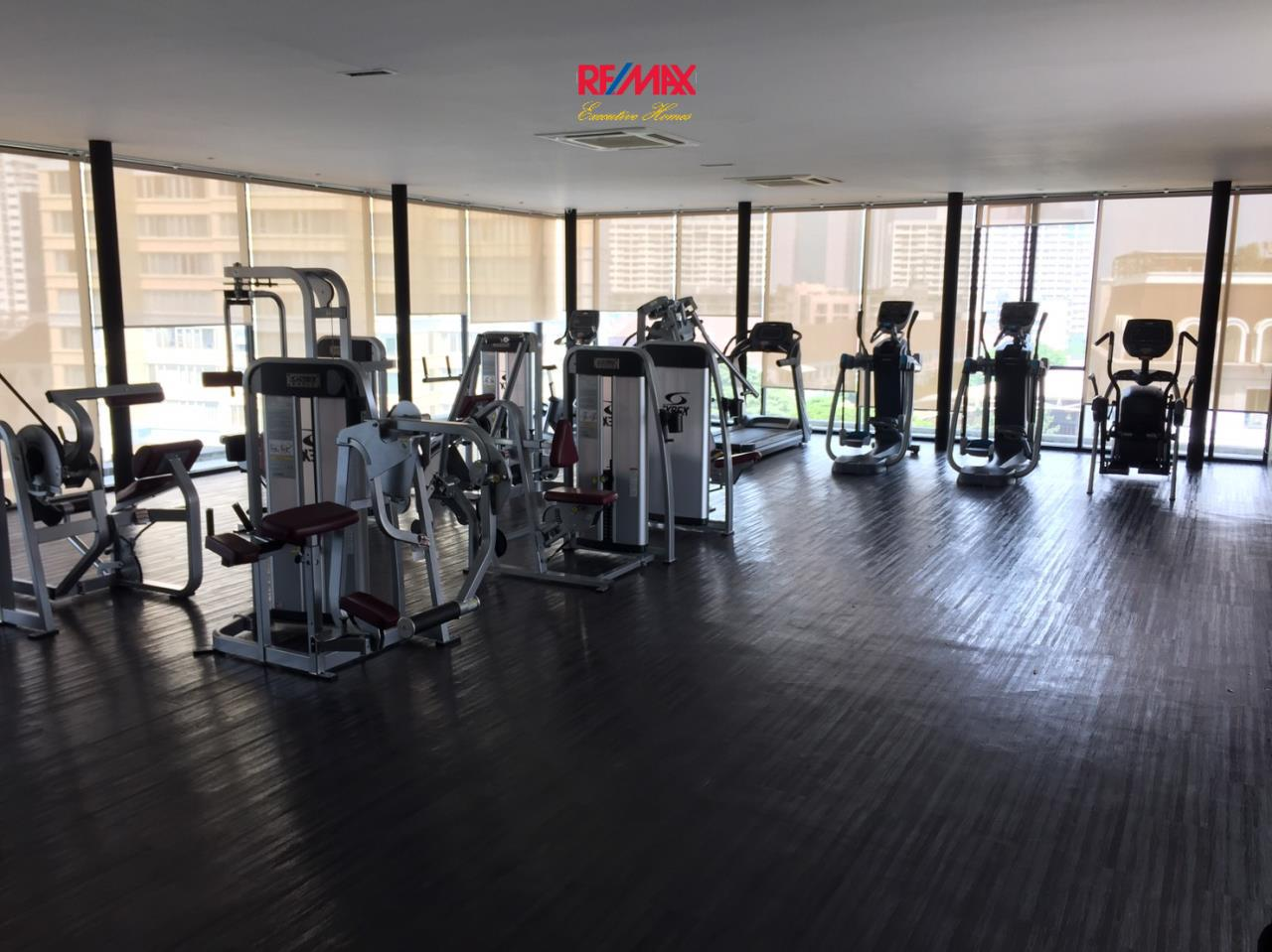 RE/MAX Executive Homes Agency's Stunning 2 Bedroom Rent La Citta Penthouse 4