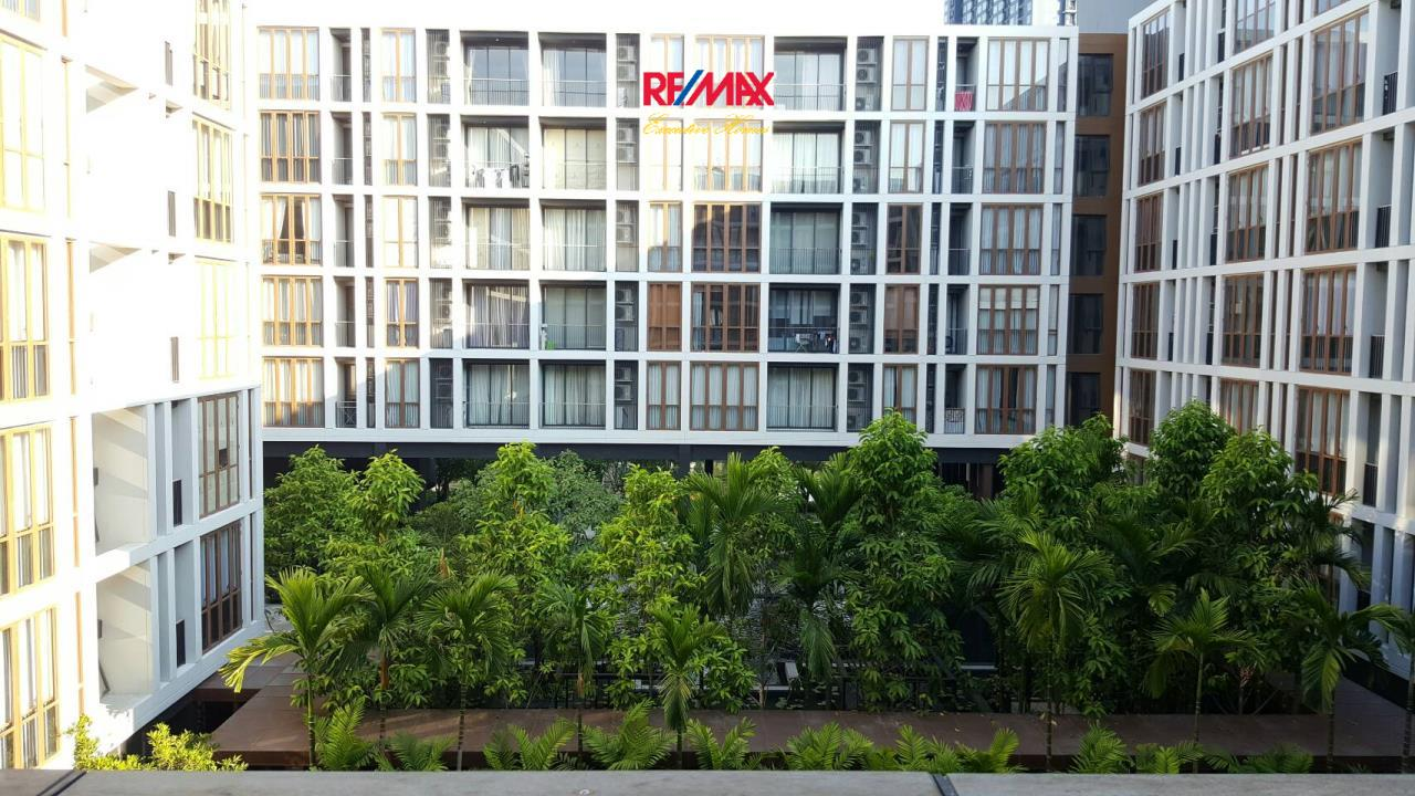 RE/MAX Executive Homes Agency's Stunning 1 Bedroom for Sale Hasu Haus  5