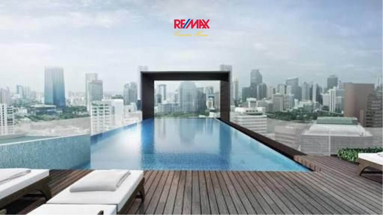 RE/MAX Executive Homes Agency's Lovely 1 Bedroom for Sale Maestro 12 6