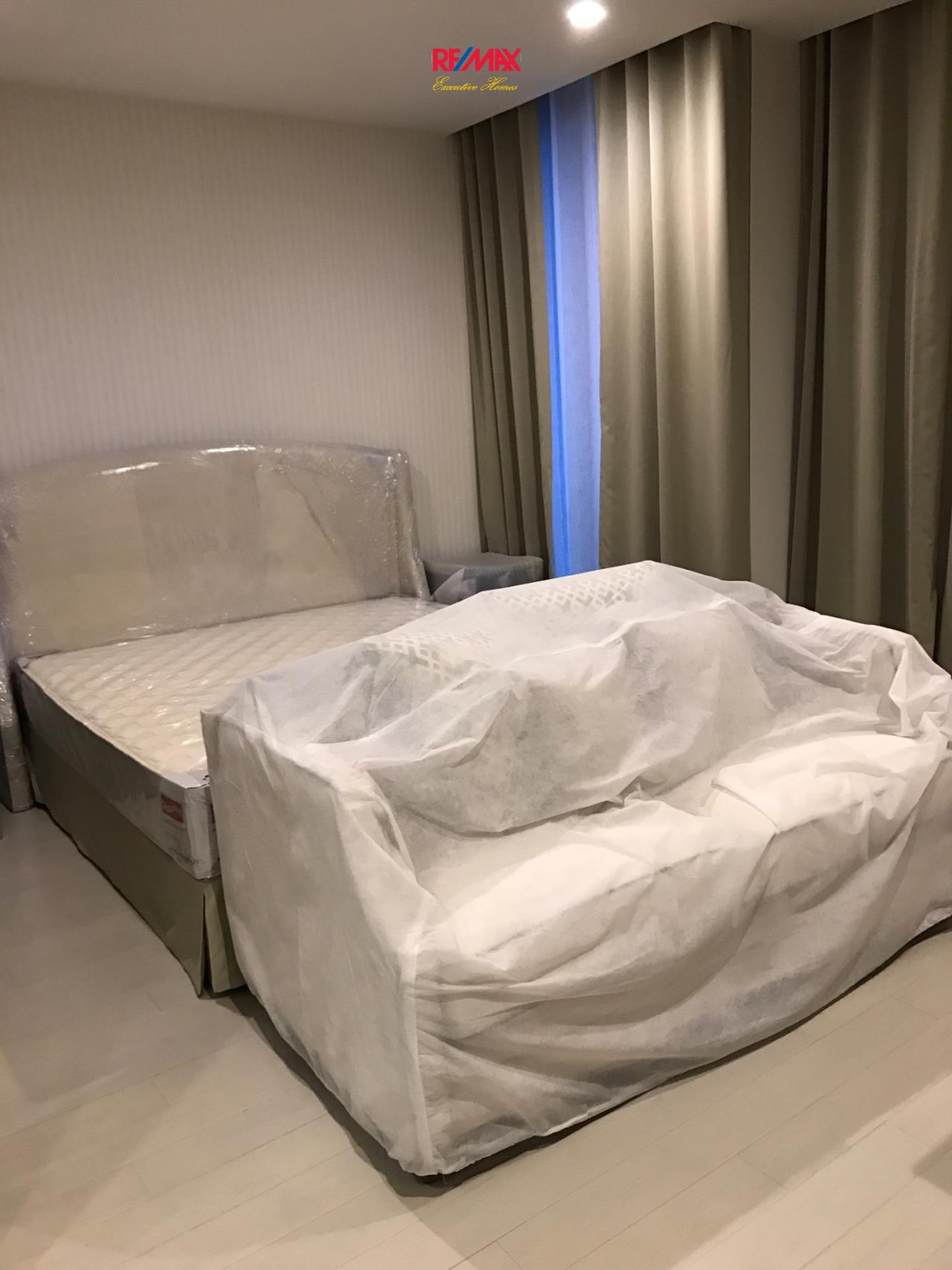 RE/MAX Executive Homes Agency's Spacious 1 Bedroom for Rent Noble Pholenchit 1