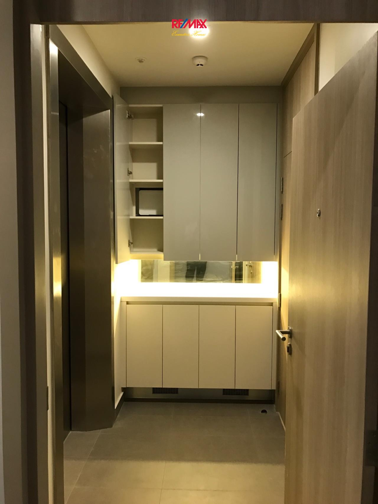 RE/MAX Executive Homes Agency's Spacious 1 Bedroom for Rent Noble Pholenchit 7