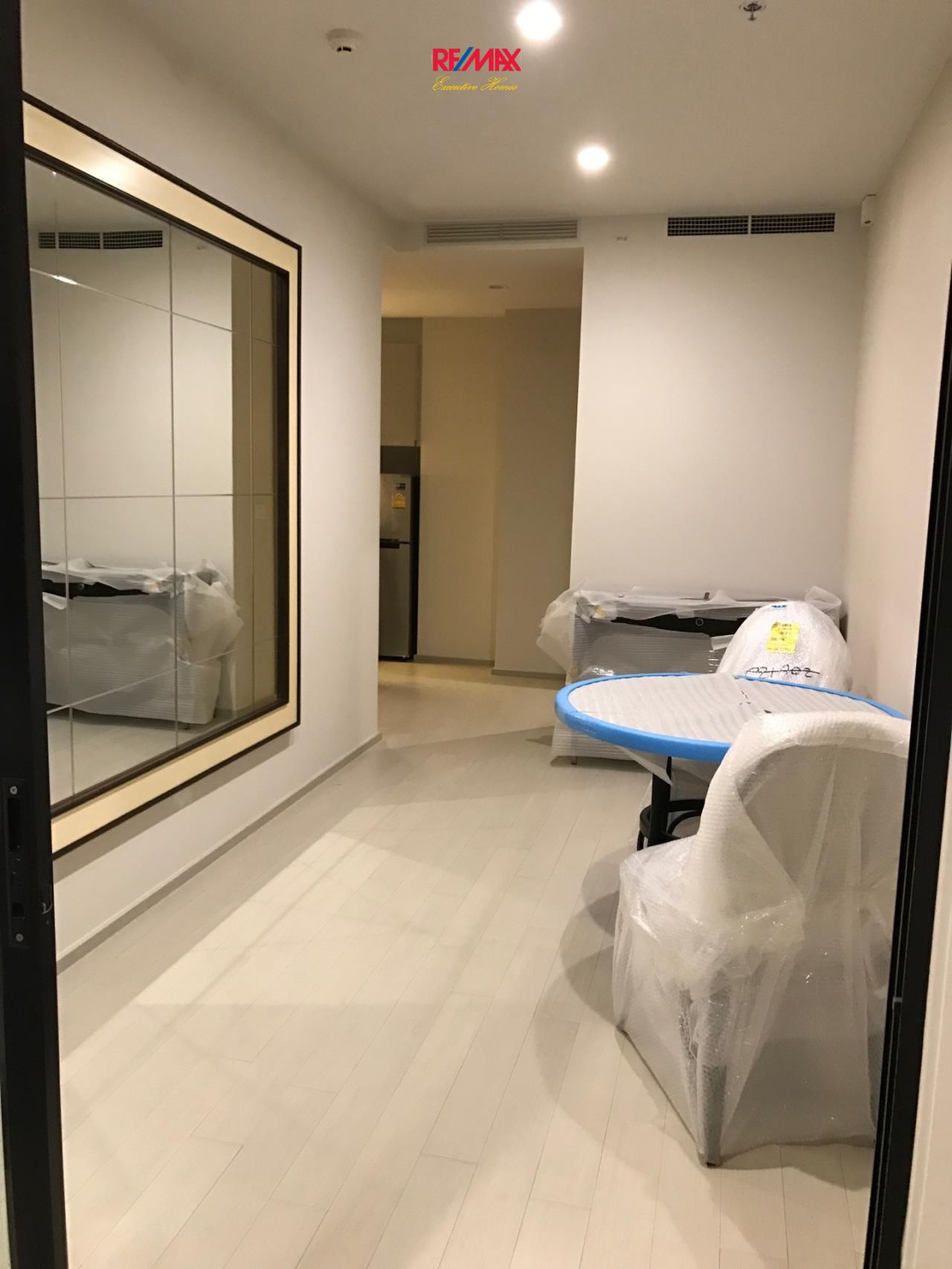 RE/MAX Executive Homes Agency's Spacious 1 Bedroom for Rent Noble Pholenchit 3