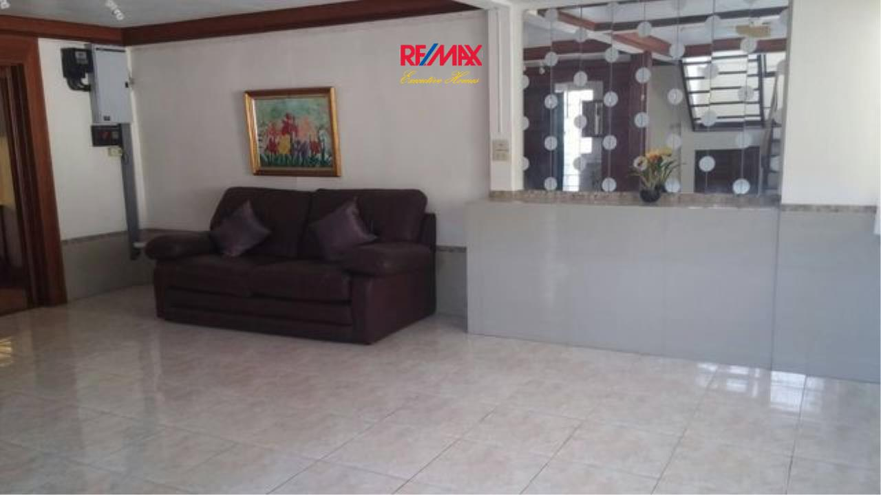 RE/MAX Executive Homes Agency's Nice 3 Bedroom House for Rent in Phra Khanong 1