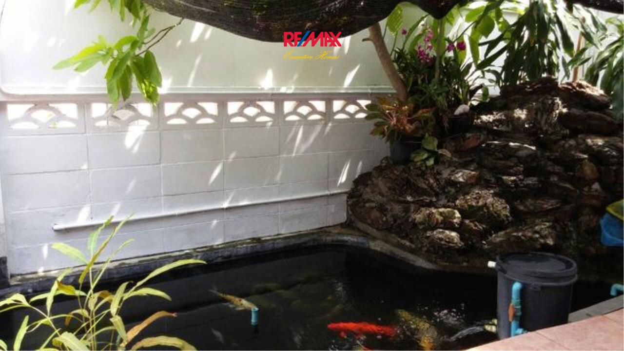 RE/MAX Executive Homes Agency's Nice 3 Bedroom House for Rent in Phra Khanong 7