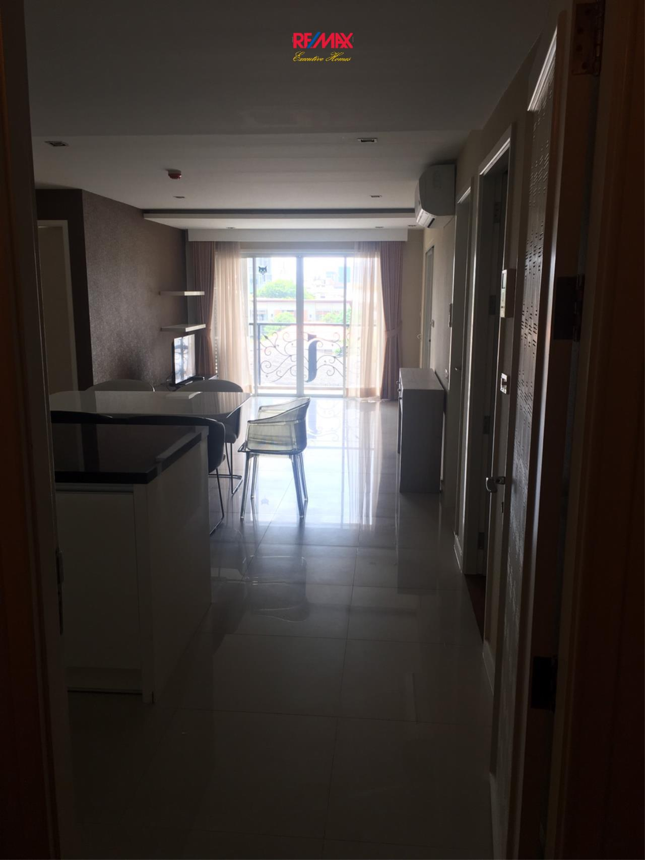 RE/MAX Executive Homes Agency's Nice 3 Bedroom for sale with tenant at Lenice Ekamai 6