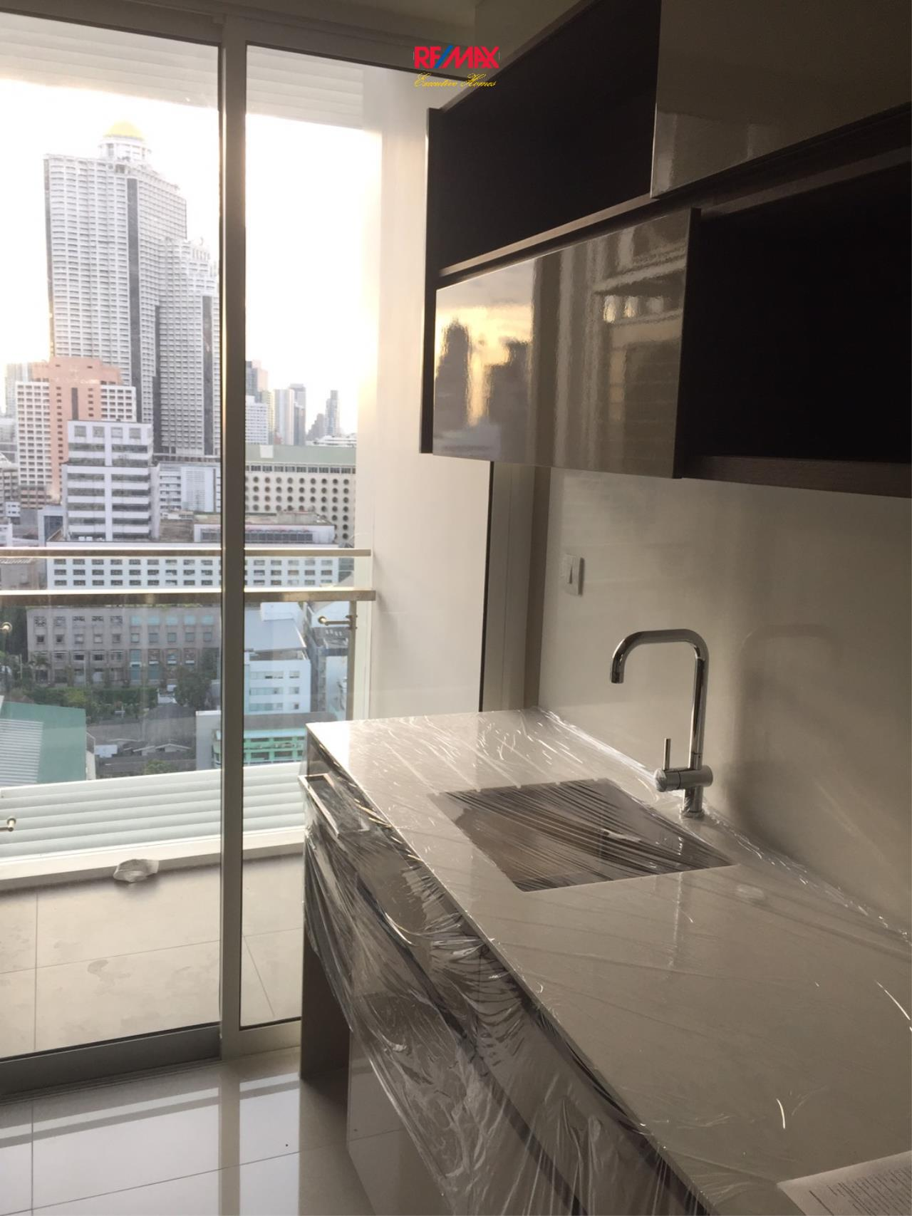 RE/MAX Executive Homes Agency's Spacious 1 Bedroom for Sale The Room Sathorn Pun 11