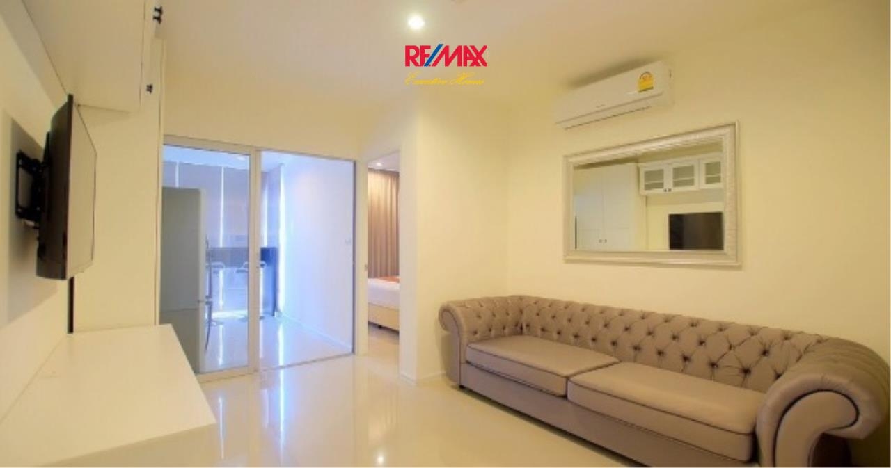 RE/MAX Executive Homes Agency's Nice 1 Bedroom for Sale Aspire 48 2