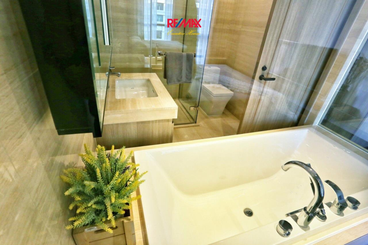 RE/MAX Executive Homes Agency's Beautiful 2 Bedroom for Sale XXXIX by Sansiri 12