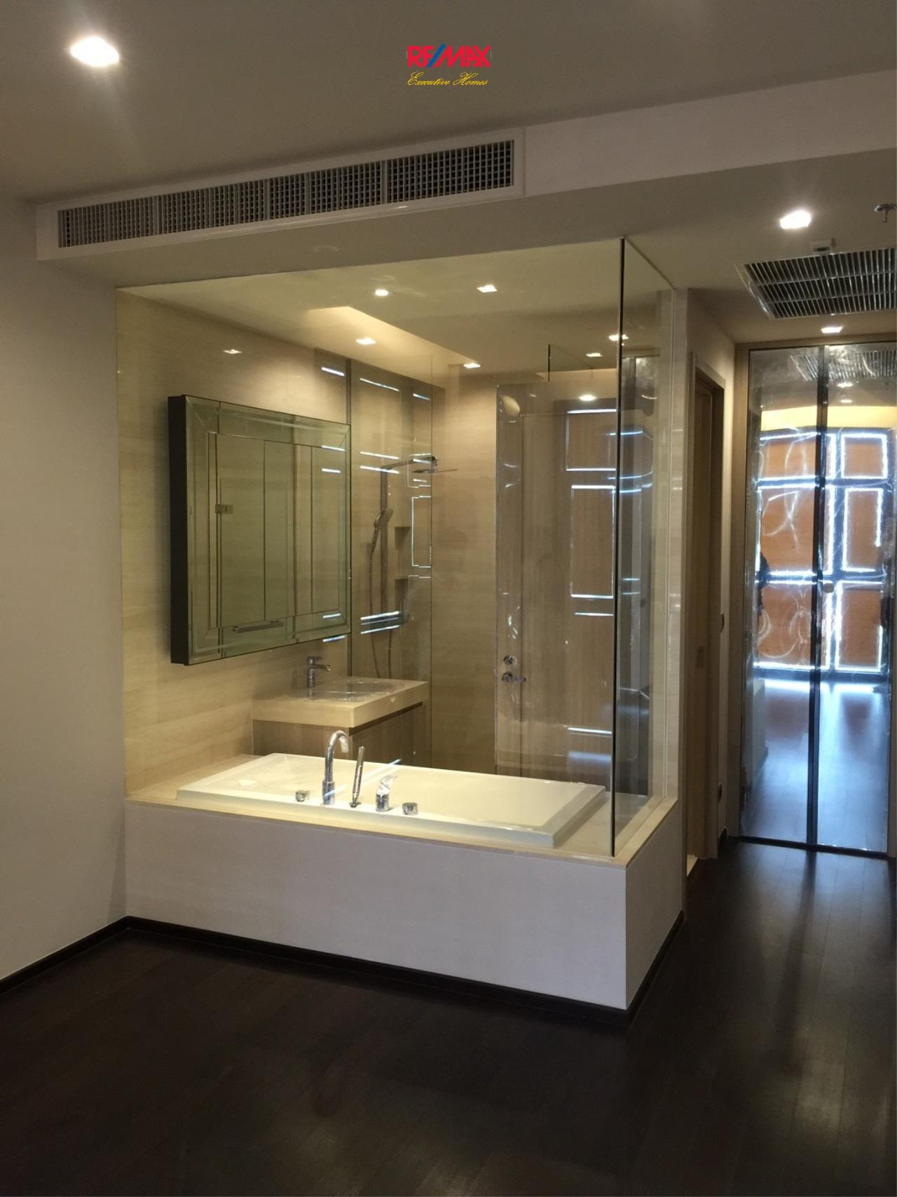 RE/MAX Executive Homes Agency's Spacious 2 Bedroom for Sale XXXIX by Sansiri 5