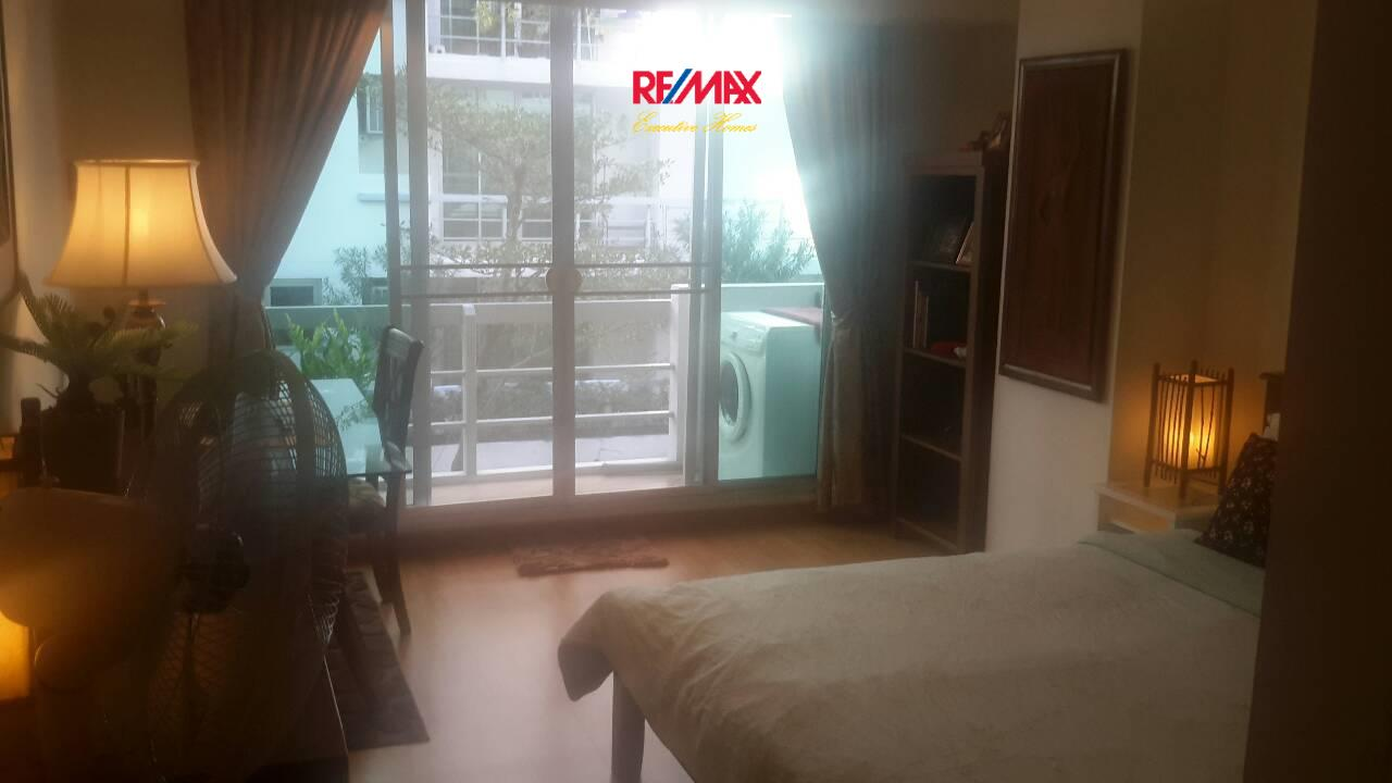 RE/MAX Executive Homes Agency's Cozy 2 Bedroom for Sale with Tenant Waterford Sukhumvit 50 3