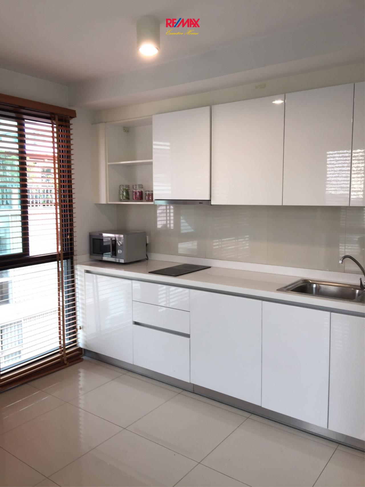 RE/MAX Executive Homes Agency's Spacious 1 Bedroom for Rent and Sale Le Cote Thonglor 3