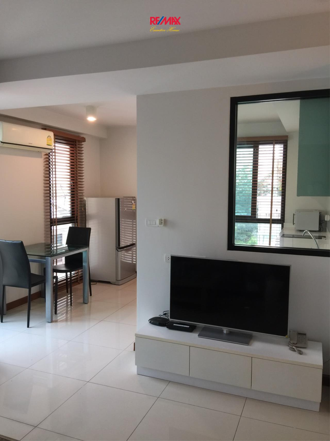 RE/MAX Executive Homes Agency's Spacious 1 Bedroom for Rent and Sale Le Cote Thonglor 2