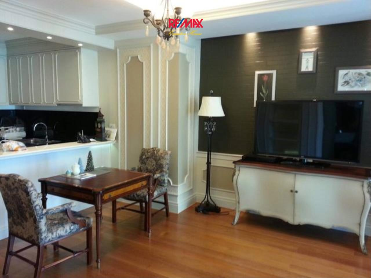 RE/MAX Executive Homes Agency's Stunning 1 Bedroom for Rent Bright 24 2