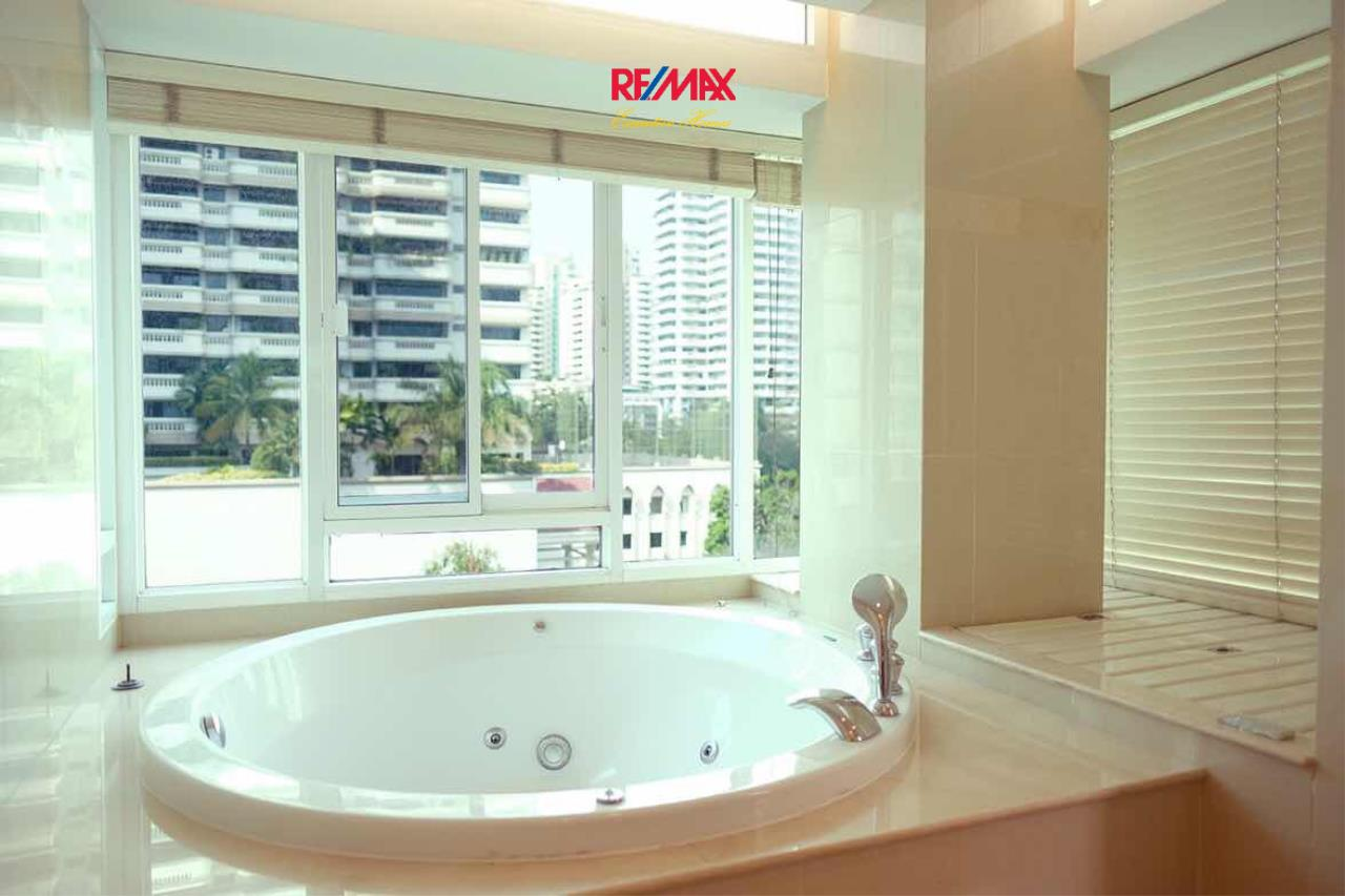 RE/MAX Executive Homes Agency's Beautiful 2 Bedroom for Rent The Bangkok 43 9