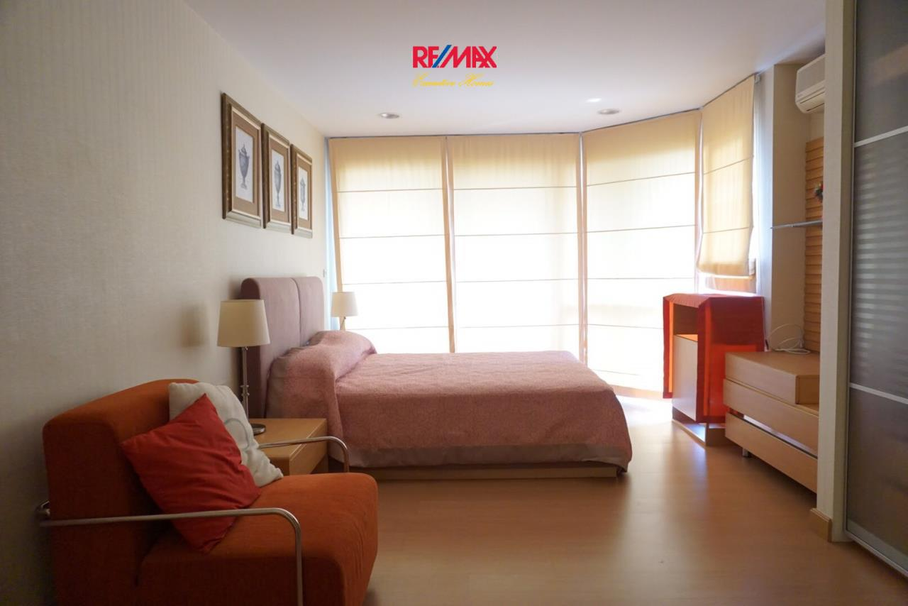RE/MAX Executive Homes Agency's Spacious 2 Bedroom for Sale The Bangkok Sap 3