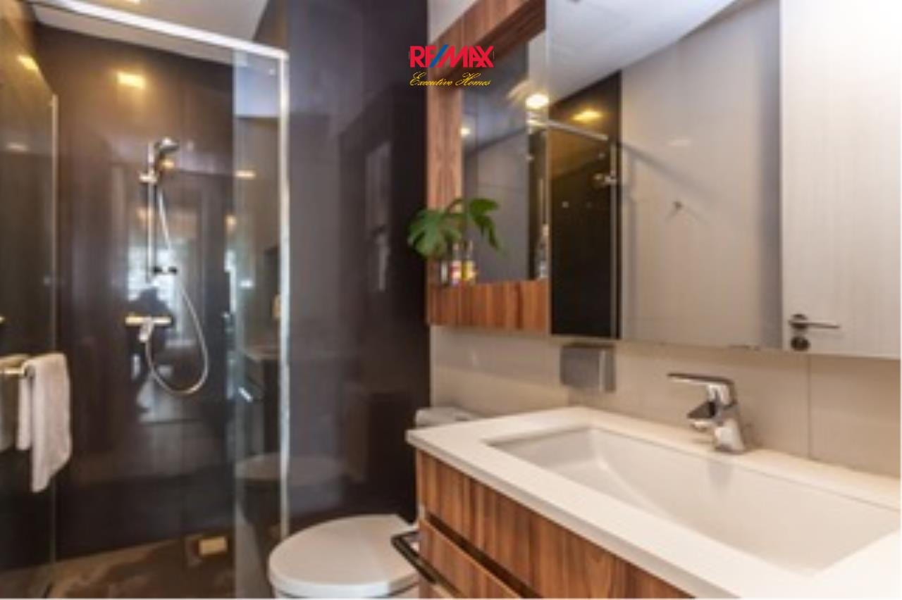 RE/MAX Executive Homes Agency's Lovely 2 Bedroom for Rent Via 31 7