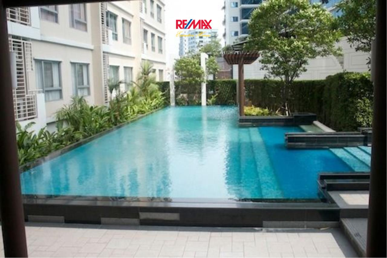 RE/MAX Executive Homes Agency's Spacious 1 Bedroom for Sale Condo One X 6 7