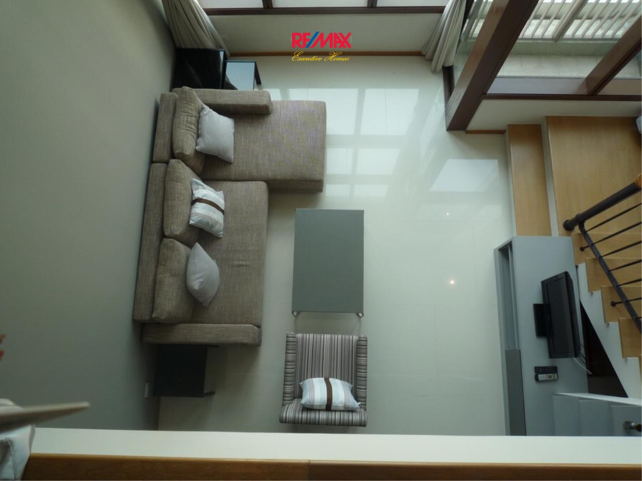 RE/MAX Executive Homes Agency's Nice 1 bedroom Duplex for Rent Emporio Place 2