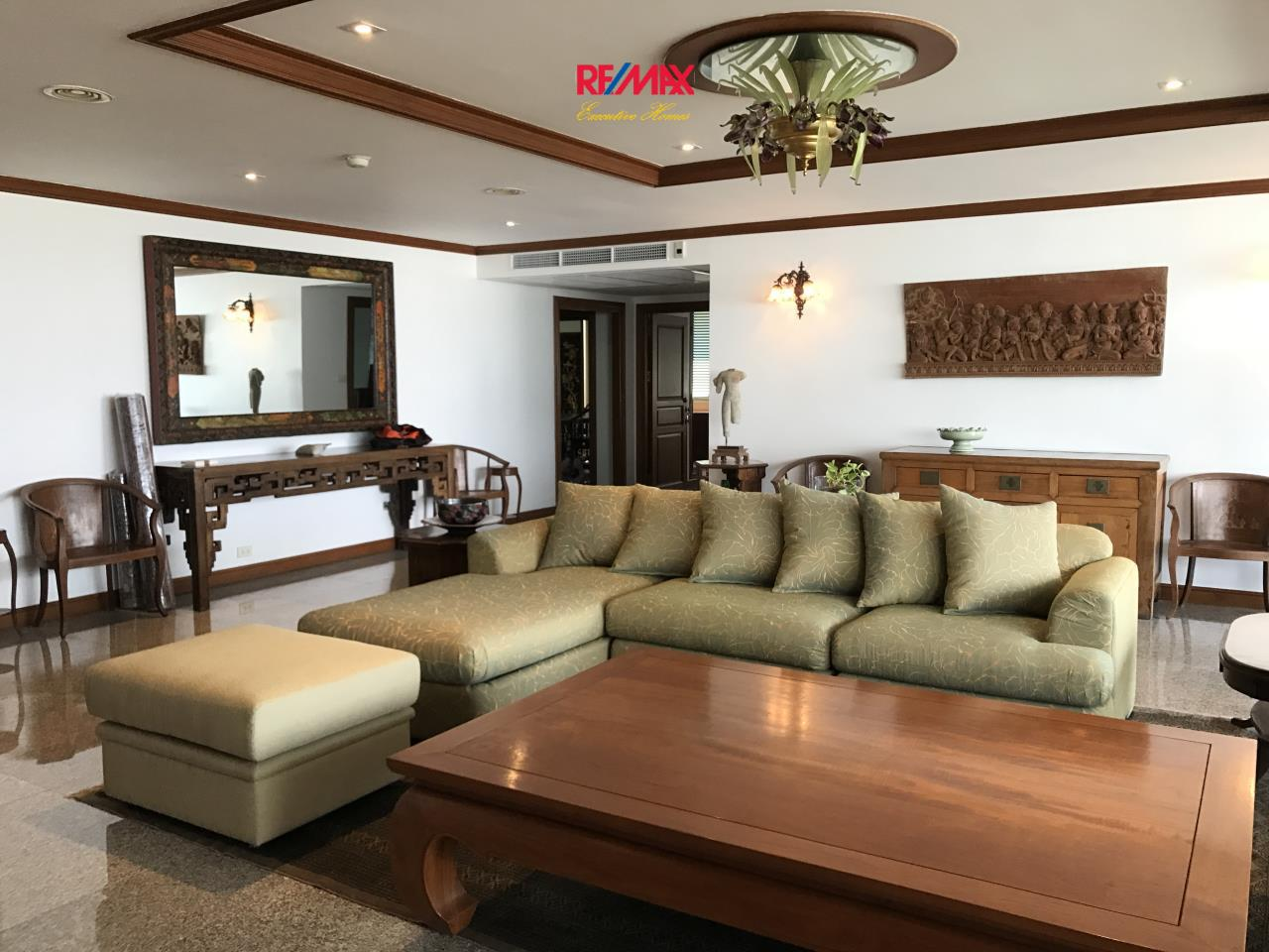 RE/MAX Executive Homes Agency's Beautiful 2 Bedroom for Rent Habitat Thonglor 1