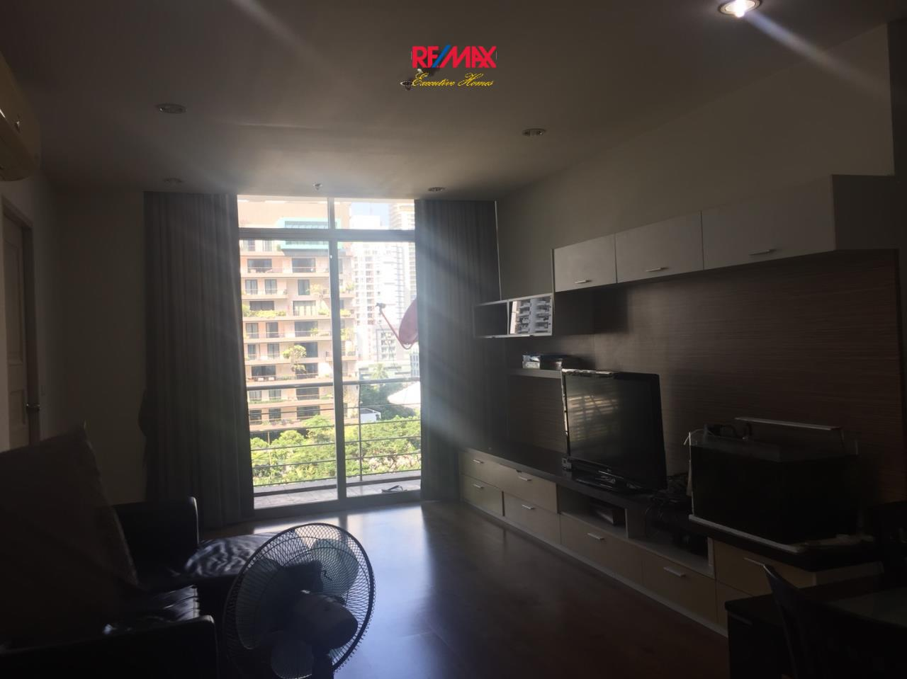 RE/MAX Executive Homes Agency's Nice 2 Bedroom for Rent Master Centrium 3