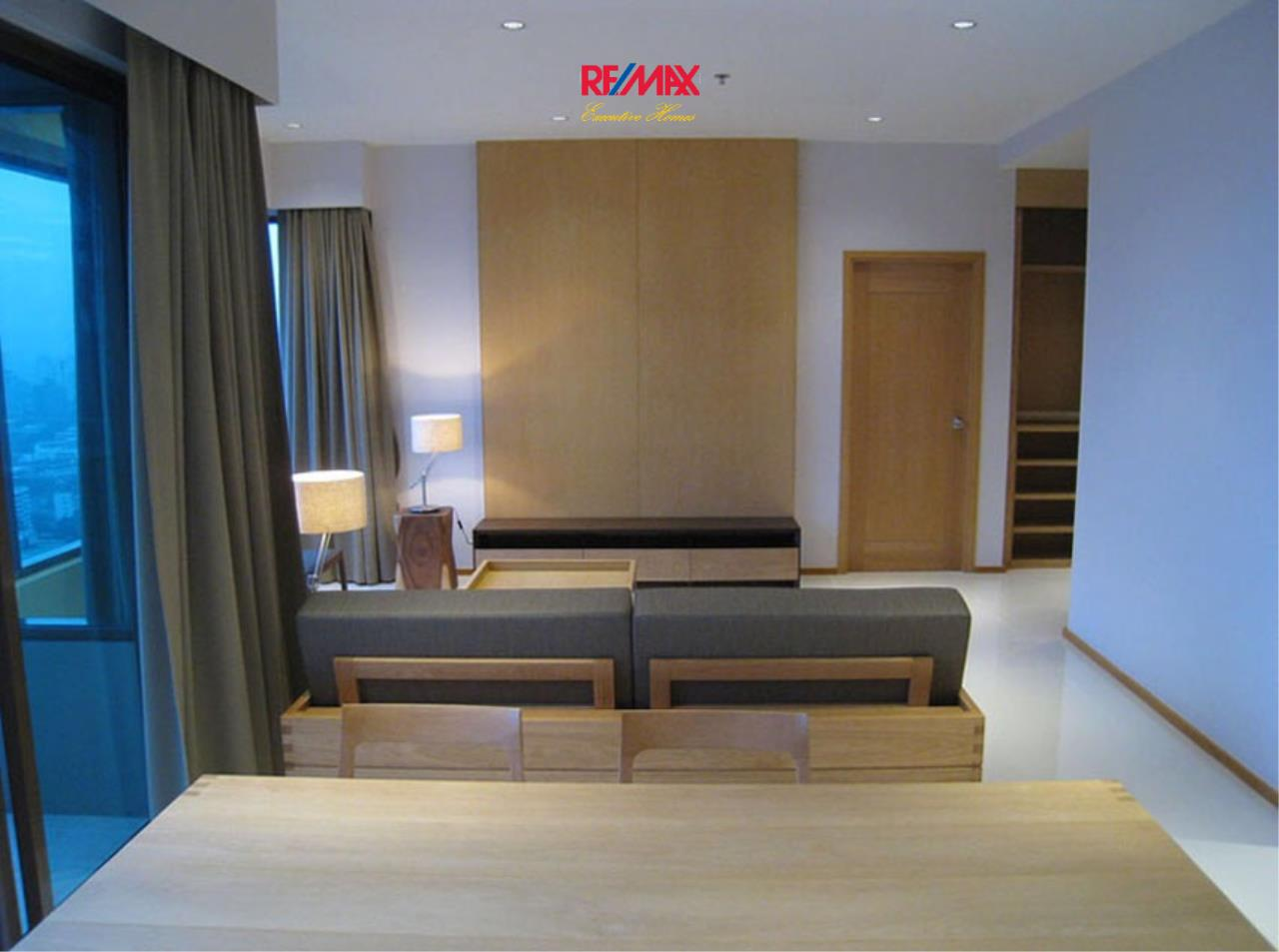 RE/MAX Executive Homes Agency's Stunning 2 Bedroom for Rent The Emporio Place 3