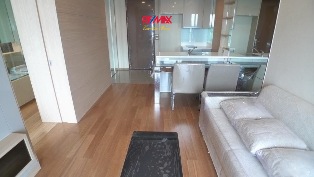 RE/MAX Executive Homes Agency's Spacious 1 Bedroom for Sale Address Asoke 2