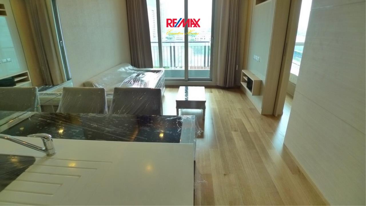 RE/MAX Executive Homes Agency's Spacious 1 Bedroom for Sale Address Asoke 5