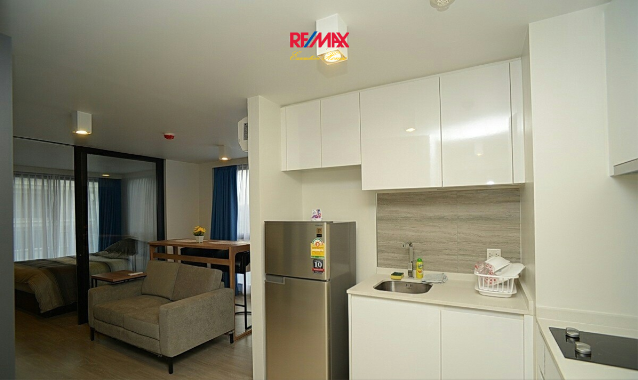 RE/MAX Executive Homes Agency's Lovely 1 Bedroom for Sale with Tenant Maestro 02 Ruamrudee 5