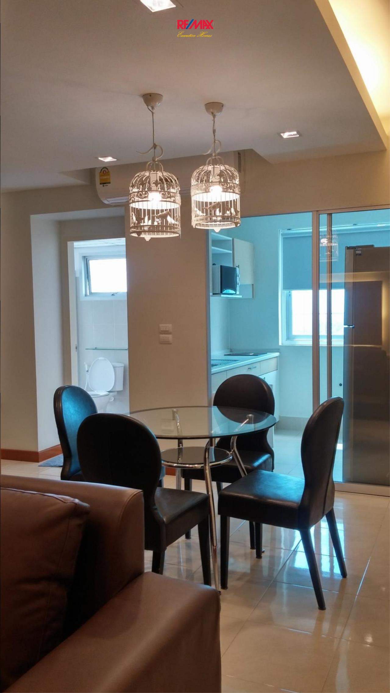 RE/MAX Executive Homes Agency's Nice 2 Bedroom for Rent Supalai Park Ekamai Thonglor 1