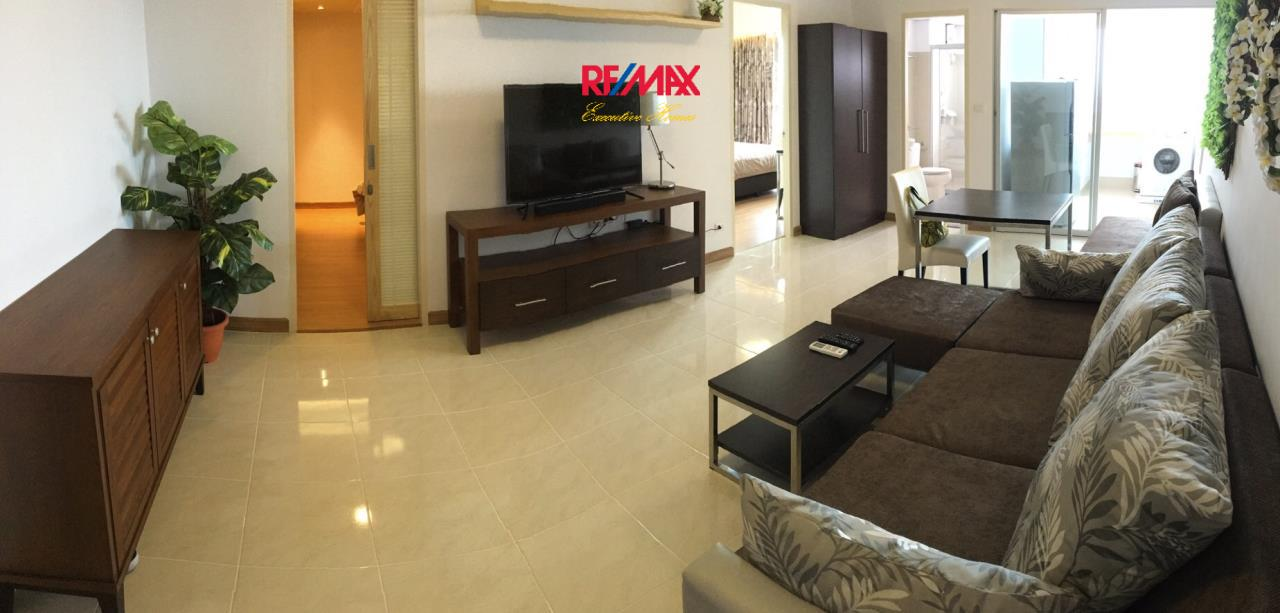 RE/MAX Executive Homes Agency's Beautiful 2 Bedroom for Rent Supalai Park Ekamai Thonglor 1